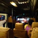 バス!! 空港からコロンボへ移動